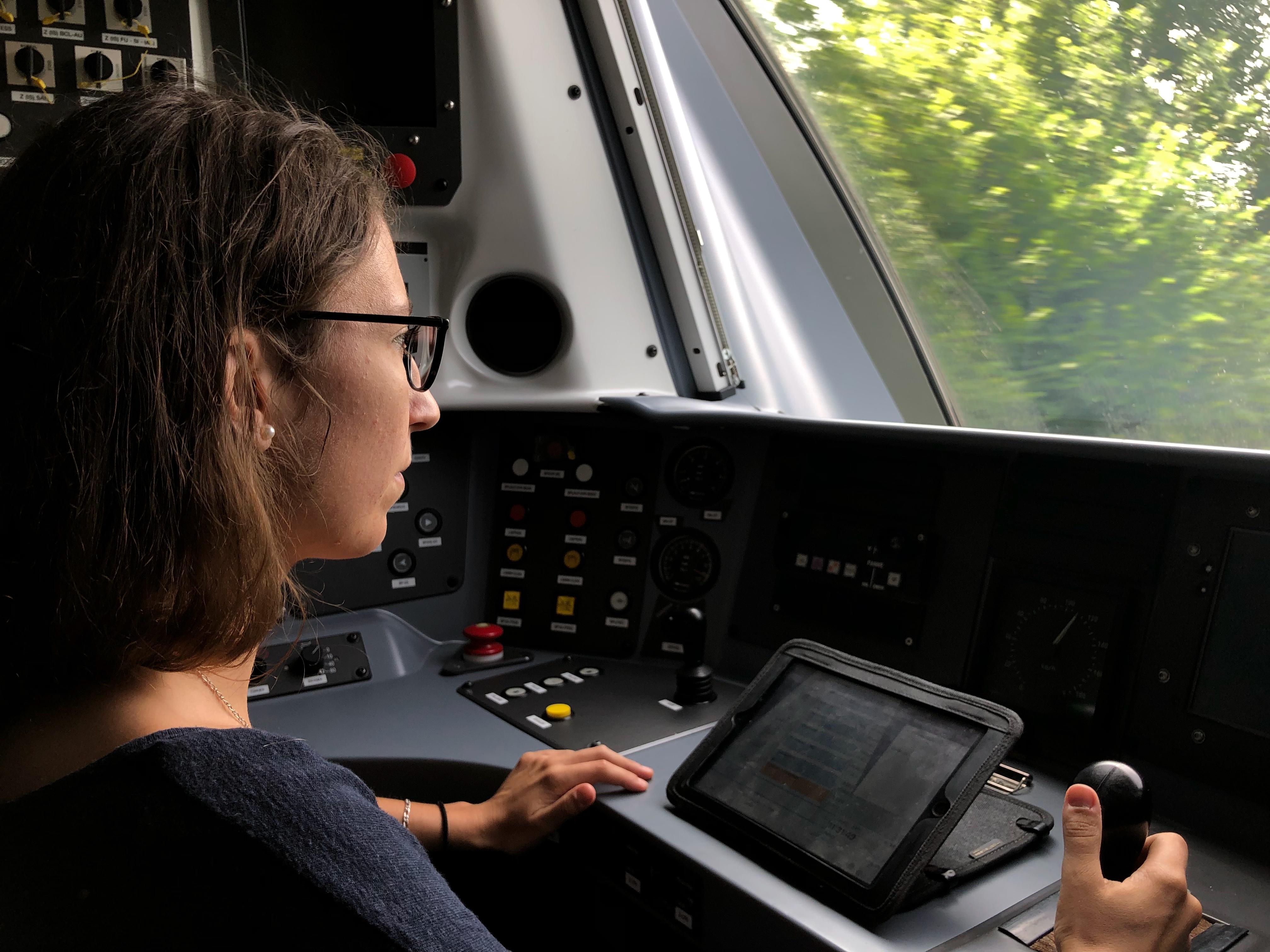 Les métiers de la conduite, tels que les conducteurs et conductrices de ligne ou de trams-trains