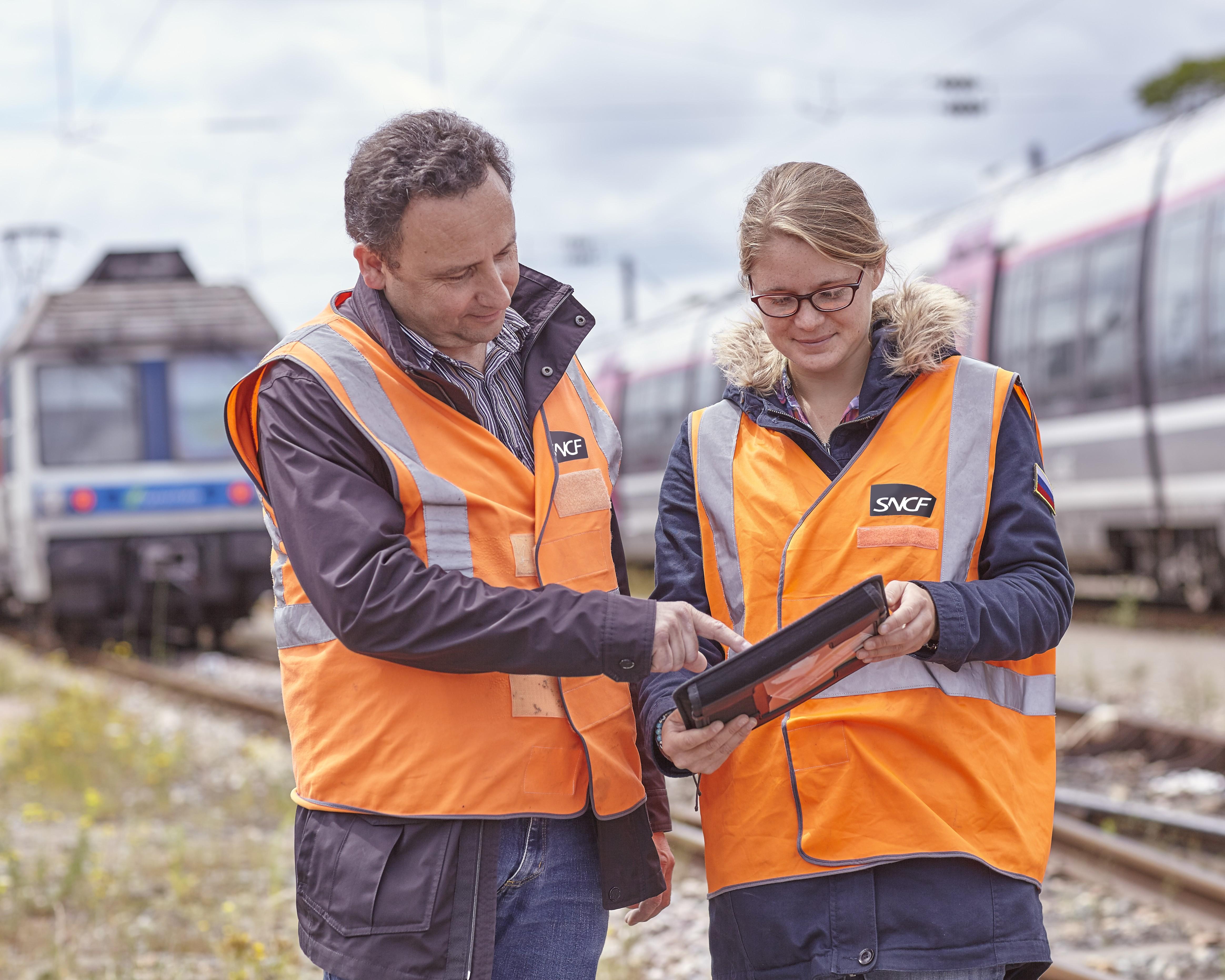 SNCF forme ses collaborateurs et collaboratrices. 70% des salariés bénéficient en moyenne de 40 heures de formation chaque année