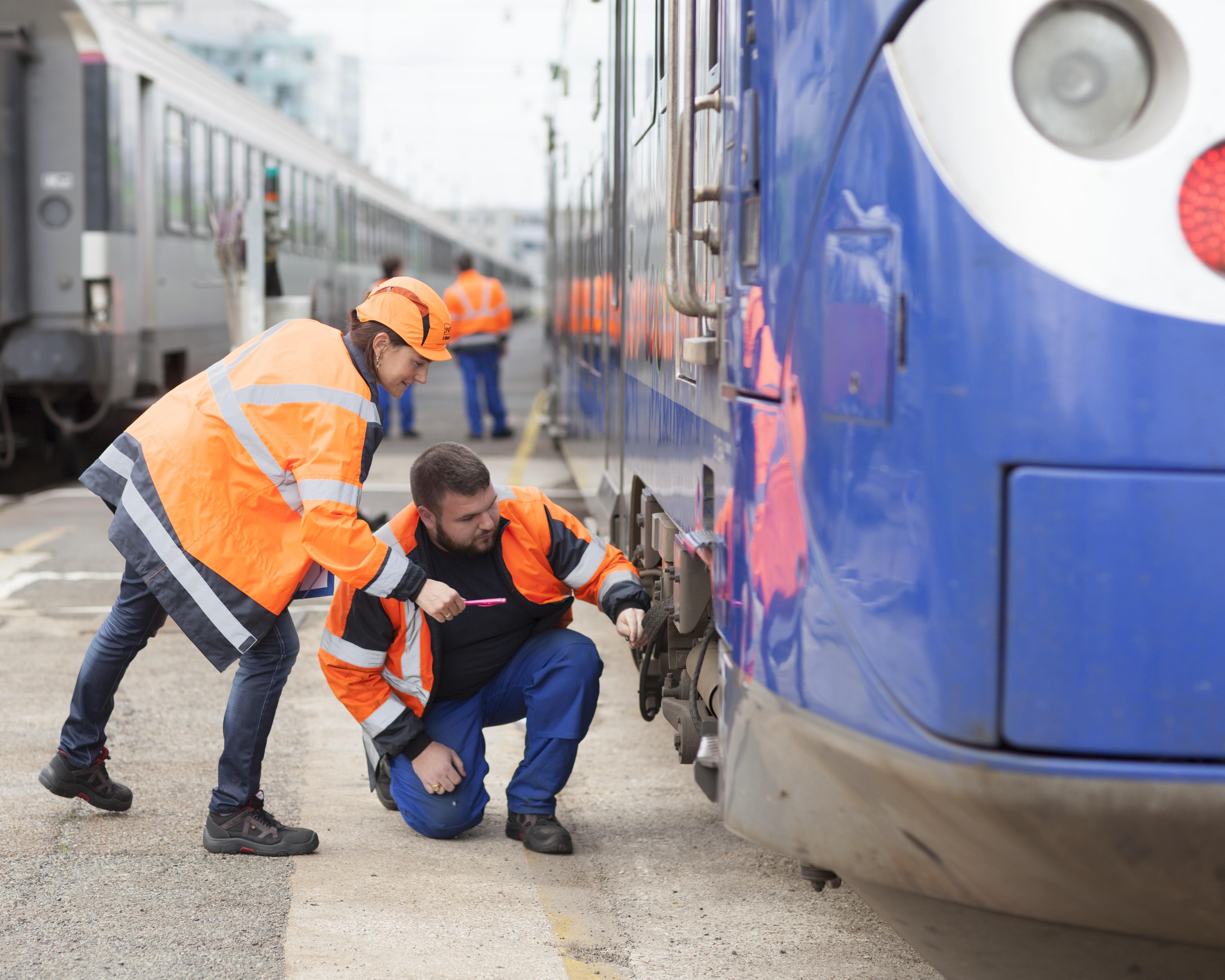 SNCF favorise les mobilités internes, qu'elles soient horizontales ou verticales. 70% des cadres le sont devenus par promotion interne.